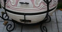 Home tandoor pan up Stock Footage