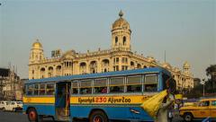 Time lapse of a Calcutta traffic in front of iconic building. Stock Footage