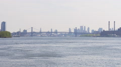 Summer day roosevelt island manhattan bridge panorama 4k usa Stock Footage