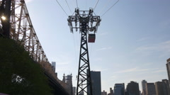 Roosevelt island queensboro bridge aerial tram tram line up view Stock Footage
