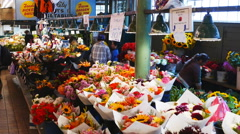Pike place market flowers Stock Footage