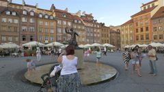 The mermaid statue in the centre of Warsaw's Old Town Stock Footage