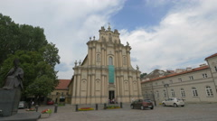 Visiting the Visitationist Church on Krakowskie Przedmiescie street in Warsaw Stock Footage
