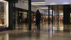 Chique shopping mall Stock Footage