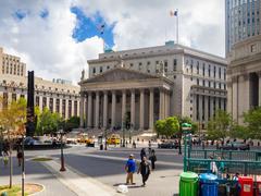 Street scene near the New York State Supreme Courthouse Stock Photos