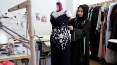 Arab businesswoman working at boutique. Stock Footage