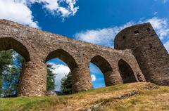 Velhartice czech castle ruins, medieval stone bridge from the castle to the t Kuvituskuvat
