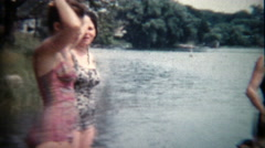 1960: End to a family boating vacation day trip on the summer lake. Stock Footage