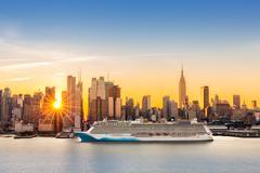 New York City skyline at sunrise Kuvituskuvat