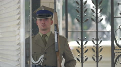 Polish soldier guard at Tomb of the Unknown Soldier, Warsaw Stock Footage