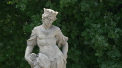 The sandstone statue of Intellect, in Saxon Garden, Warsaw Stock Footage