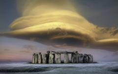 United Kingdom, England, Wiltshire, Storm cloud over Stonehenge Kuvituskuvat