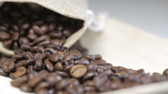 Change focus on coffee beans Stock Footage