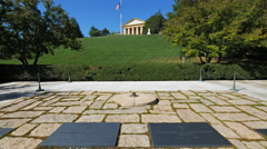 Grave of john and jackie kennedy and arlington house, washington, Stock Footage