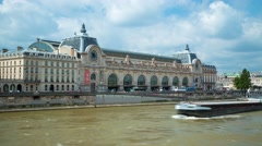 Siene and the museum D'ORSAY in Paris Stock Footage