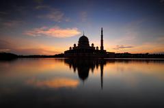 Malaysia, Putrajaya, Silhouette of Putra Mosque Stock Photos
