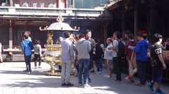 Taipei Lungshan Temple people.mp4 Stock Footage