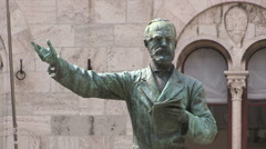 The statue of Giuseppe Mazzini in Chiavari Stock Footage