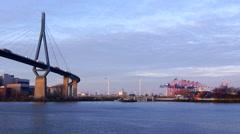 Köhlbrandbrücke, Hamburg, Hafen - stock footage
