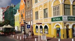 Curacao Handelskade Willemstad naar grote brug Annabaai - stock footage