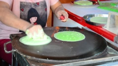 Cooking Roti Saimai (Cotton Candy) Stock Footage