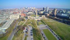 4K pan up to Kansas City skyline Stock Footage