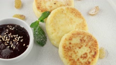 Cottage cheese pancakes with jam Stock Footage