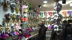 VENICE FEBRUARY 14 2015 Masks store in venice Stock Footage