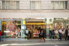 LONDON - MAY 19TH: The exterior of accessorize on May the 19th, 2015, in Lond Stock Photos