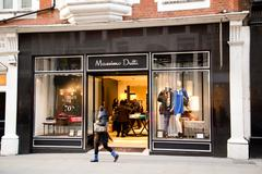 LONDON - JANUARY 22nd: The exterior of Massimo  Dutti on January the 22nd, 20 Stock Photos