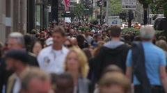 Crowded sidewalk, Pedestrains on 5th Avenue, New York Stock Footage