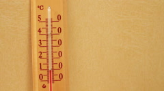 Temperature rising on a thermometer Stock Footage