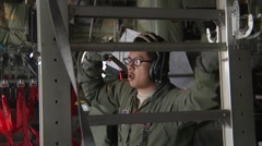 Elmendorf Alaska, November 2015, US Air Force Aircraft Crewmember Instruct Fix Arkistovideo
