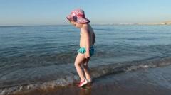 Little girl on the beach. Stock Footage