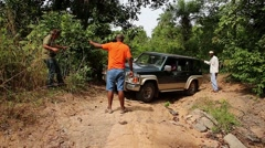 Driving in the bad roads of west Africa - Guinnea Bisseau Stock Footage