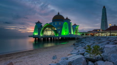 Dusk time lapse at a floating mosque in Malacca, Malaysia. Stock Footage