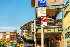 NEW YORK - OCT 20: The entrance of Coney Island subway station on October 20, Kuvituskuvat