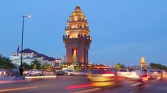 TIMELAPSE Independence monument with busy road day to night,Phnom Penh,Cambodia Stock Footage