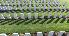 World war cemetery Stock Footage