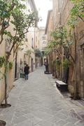 ORVIETO, ITALY - JANUARY 25, 2010: alleyway in Orvieto Stock Photos