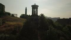 Incredible shot of Calton hill, Edinburgh, Scotland Arkistovideo