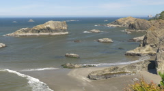 Thunder Rock Cove, Southern Oregon coast (zoom out) Stock Footage