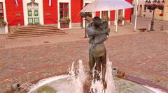 Close up shot of the kissing couple in the fountain Stock Footage