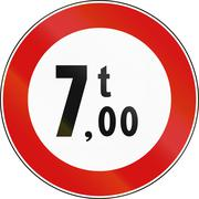 Road sign used in Italy - maximum allowed weight 7 tons Stock Illustration