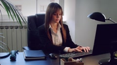Angry young business woman getting angry on phone Stock Footage