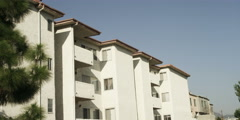 Four-story apartment building on North Louise Street in Glendale, California Stock Footage