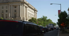Traffic on 14th Street in Washington DC, looking south. Shot in May 2012. Stock Footage