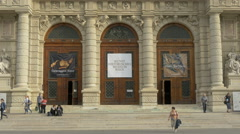View of Kunsthistorisches Museum with three large doors in Vienna Stock Footage