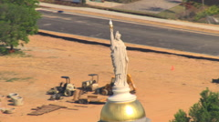 Orbiting Miss Freedom on Georgia State Capitol in Atlanta. Shot in 2007. Stock Footage