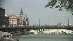 Le Pont Notre Dame and Conciergerie, Paris Stock Footage